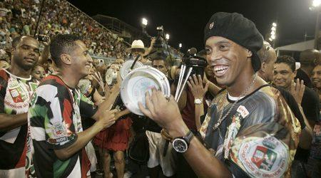 Роналдиньо - усмихнатият футболен гений с 2 промила самба в кръвта