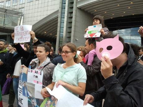 Протестиращите в Брюксел бяха от различни възрастови група