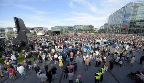 Хиляди финландци излязоха на протест в подкрепа на мултикултурализма