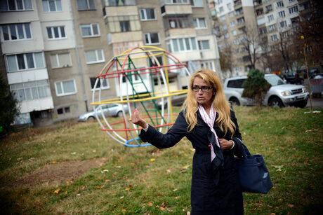 Десислава Иванчева разказва за протеста срещу застрояването на малката градинка до блока й
