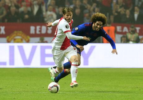 """""""Манчестър юнайтед"""" нареди пъзела с триумф в Лига Европа"""