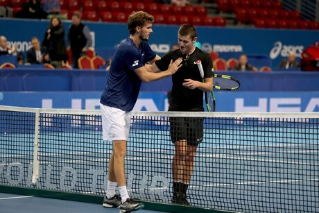 Българските тенисисти отпаднаха драматично от квалификациите в София
