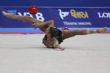 Рускинята Александра Солдатова, която днес игра с топка, получи най-високата оценка в първия ден на световното