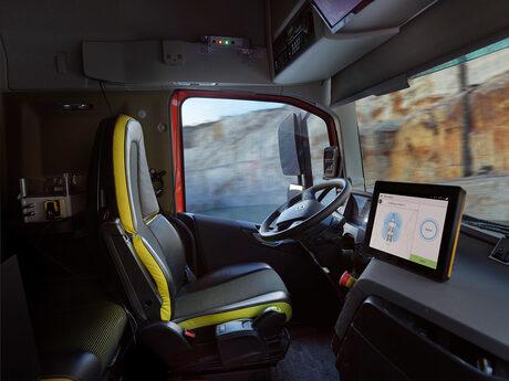 """Автономни камиони на """"Волво"""" започнаха работа в мина за варовик в Норвегия (видео)"""
