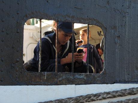 """Моряк от руският ветроходен кораб """"Крузенщерн"""" по време на участието му регатата """"Тол шипс"""" през 2016 г."""