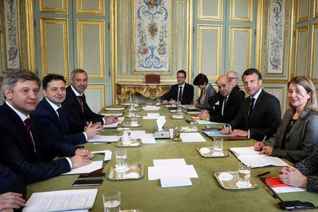 Среща с френския президент Еманюел Макрон около средата на април също бе част от стратегията му.