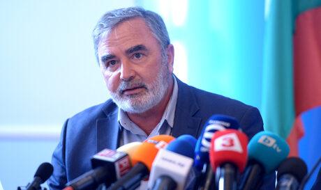 Коронавирусът в България: Болници в някои региони ще ограничат приема и операциите