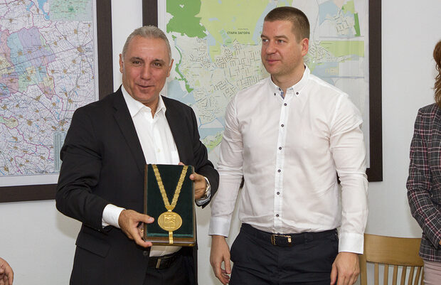 Снимка на деня: Христо Стоичков - почетен гражданин на Стара Загора