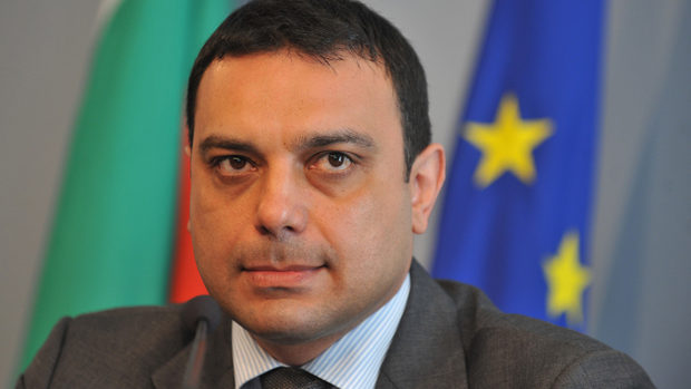 Транспортният министър освобождава ръководството на ДАИ