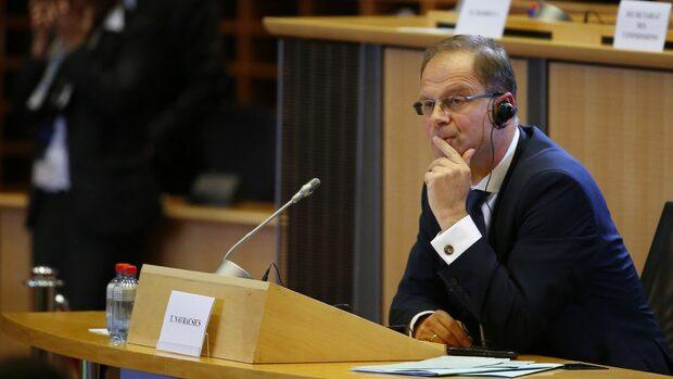 Евродепутатите отхвърлиха кандидатурата на унгареца Тибор Наврачич за комисар по културата