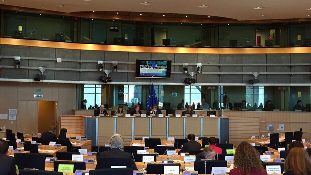 От Еврокомисията отхвърлиха исканията за скорошно отпадане на евромониторинга