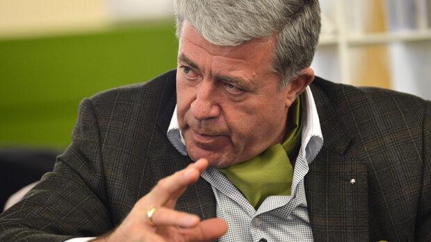 Здравната каса се източва лесно, затова е нужен контрол, каза проф. Генчо Начев