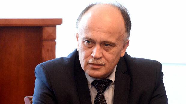 """Министерството ще """"насилва"""" аптеките да имат денонощен график, обяви Бойко Пенков"""