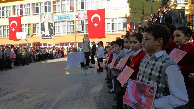 В турските училища вече няма да се преподава еволюция