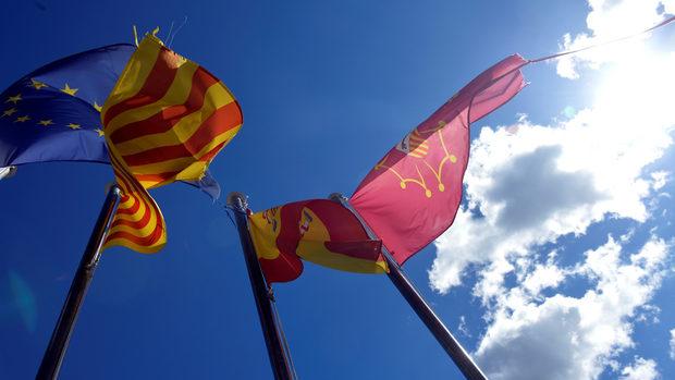 Каталунската криза може и да не разцепи държавата, но разделя семейства