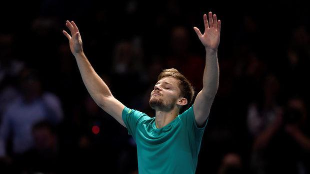 Гофен шокира Федерер и ще играе на финал в Лондон