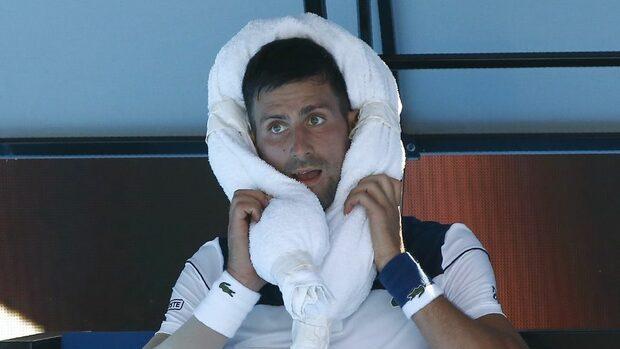 Джокович се справи с Монфис и жегата, Мугуруса отпадна от Australian Open