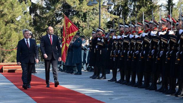 Президентът поиска новото име на Македония да не включва части от територията на България