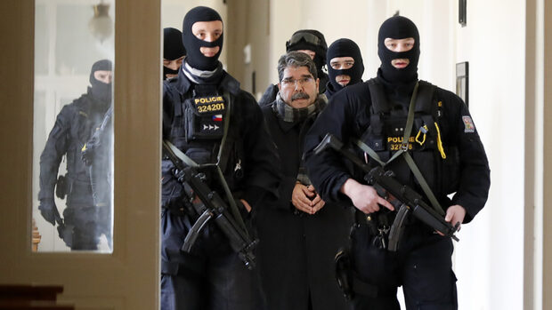 Съд в Чехия пусна на свобода бивш лидер на сирийските кюрди и вбеси Турция