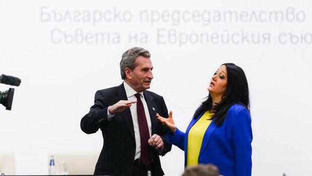 Разликата в доходите в ЕС трябва да се намали, за да сме единни, каза комисар Йотингер