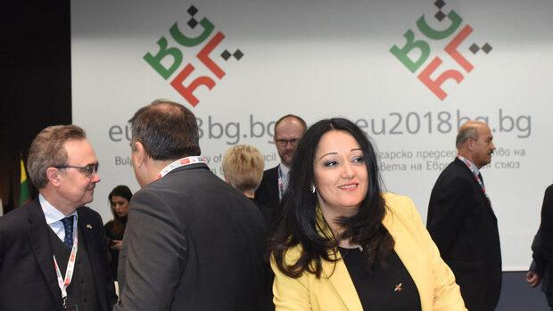 Лиляна Павлова ще представи постигнатото през първата половина на председателството