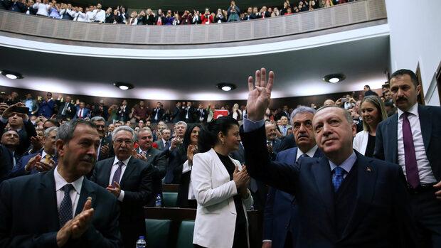 """Ердоган ще агитира за изборите в """"европейски град"""" през май"""