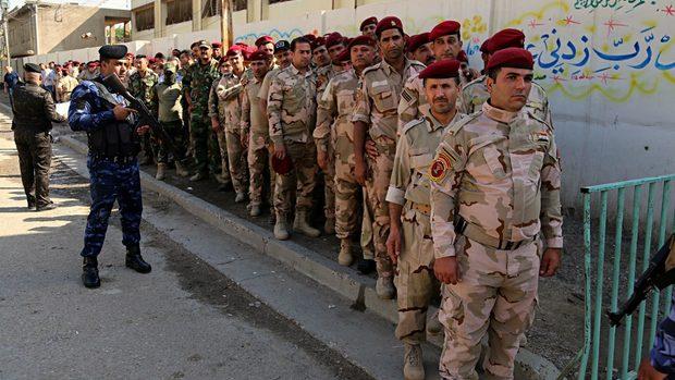 """Иракчаните избират парламент за пръв път след разгрома на """"Ислямска държава"""""""