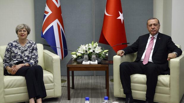 Ердоган пристига в Лондон за бизнес форум и срещи с Мей и кралица Елизабет
