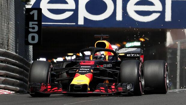 """Пилотите на """"Ред бул"""" доминираха в свободните тренировки преди Гран при на Монако"""