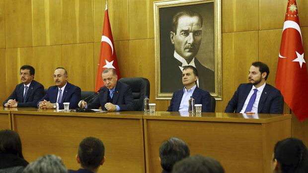 Турция планира да премахне министерствата за ЕС, икономиката и културата