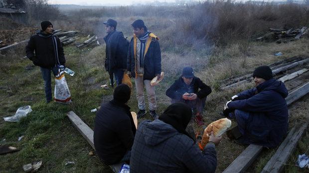 """""""Нов балкански маршрут"""" на мигрантите разтревожи """"Фронтекс"""" и Албания"""