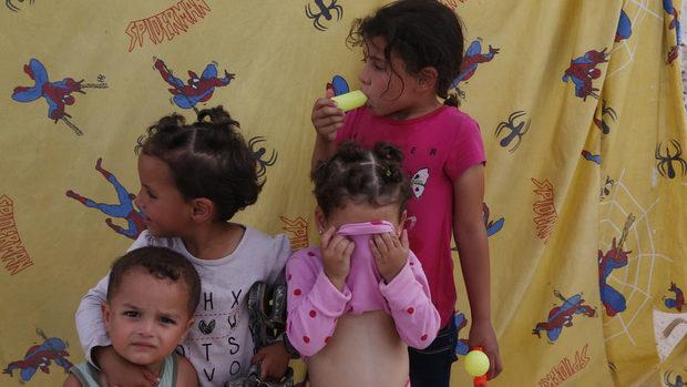 Изгубено поколение днес, проблем утре: какво правят ЕС и Турция за децата бежанци