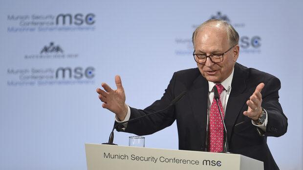 """Европа и САЩ преживяват """"епохален разлом"""", предупреди експерт"""