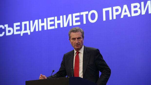 Държавите - нетни платци в бюджета на ЕС, са понякога доста арогантни, каза Йотингер