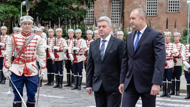 Договорът за името на Македония задължава България да е изключително внимателна, каза Радев