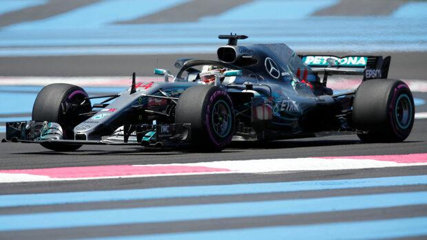 Хамилтън записа най-добри времена в свободните тренировки преди Гран при на Франция