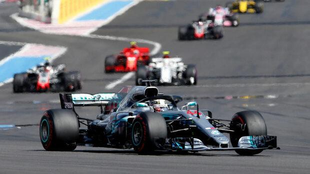 Люис Хамилтън взе безоблачна победа в Гран при на Франция