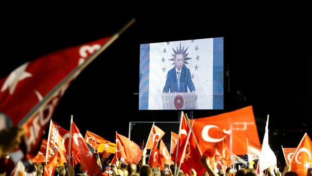 Ердоган се обяви за победител на изборите, но опозицията оспорва резултатите