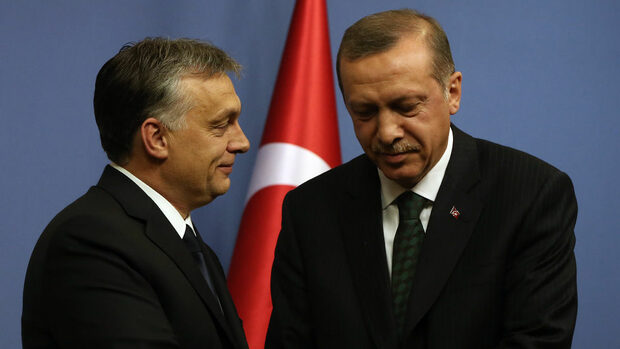 Кои лидери поздравиха Ердоган, преди да са преброени бюлетините
