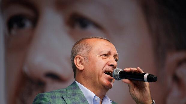 Ердоган и партията му имаха прекомерно предимство в медиите преди изборите, обяви ОССЕ