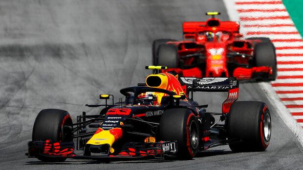 """Верстапен спечели Гран при на Австрия, двата болида на """"Мерцедес"""" отпаднаха"""