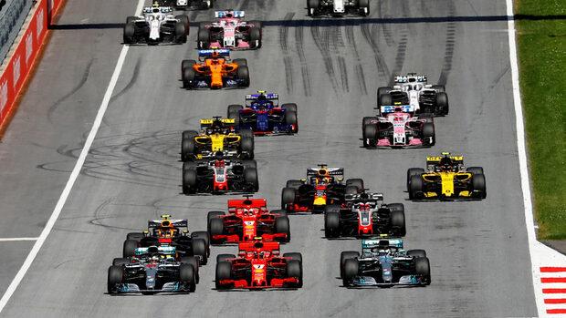 Сезон 2019 във Формула 1 ще стартира седмица по-рано