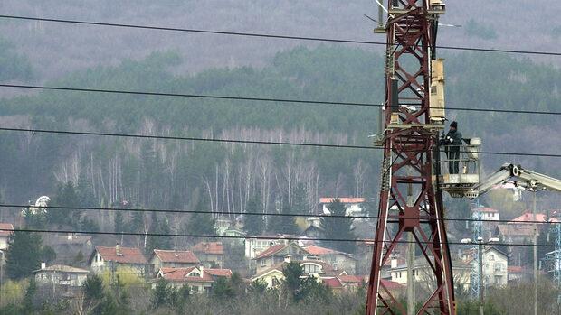 Най-голямата болница в Пловдив за малко да остане без ток за неплатени сметки