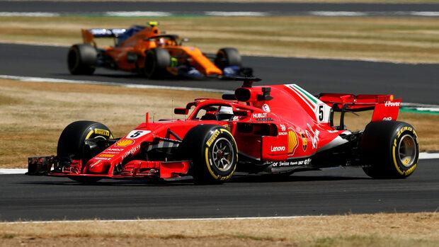 Фетел и Хамилтън показаха близко темпо в тренировките преди Гран при на Великобритания