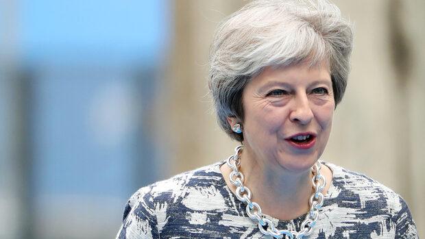 Брюксел приветства предпазливо плана на Лондон за Брекзит