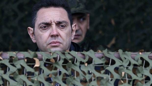 """Белград би приел """"разграничаването"""" на сърбите от албанците в Косово, каза министър"""