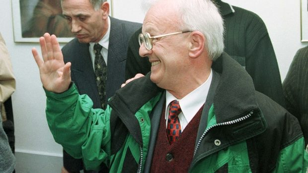 """Как югославският дисидент Адем Демачи се превърна в """"косовския Мандела"""""""