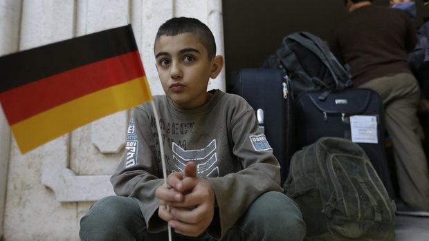 Защо Германия не успява да обработи хиляди молби за работни визи от Балканите
