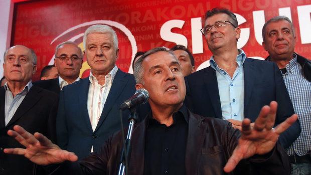 Черногорската прокуратура иска бивш агент на ЦРУ да бъде арестуван заради опита за преврат