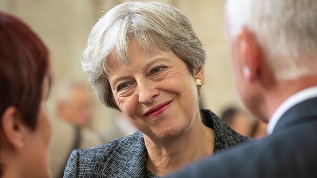 ЕС не е склонен Мей да преговаря за Брекзит директно с държавите членки
